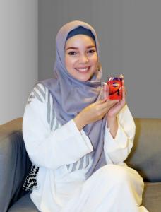 Dewi-Sandra.png